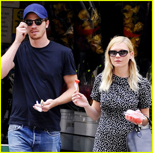 Kirsten Dunst &#038; Garrett Hedlund: Watermelon Walk