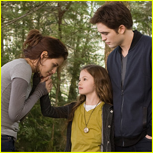 Kristen Stewart & Robert Pattinson: New 'Breaking Dawn' Stills!