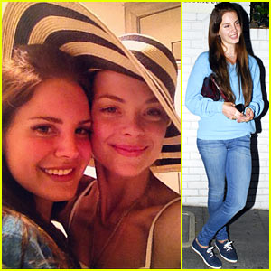 Lana Del Rey & Jaime King: Chateau Saturday!