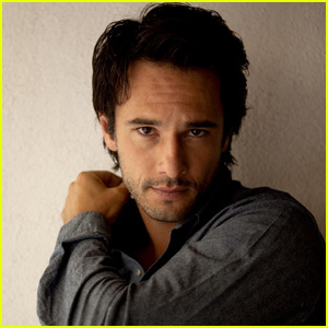 Rodrigo Santoro: 'Da Man' Magazine Feature