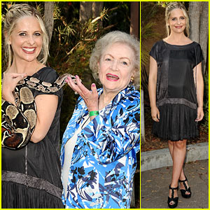 Sarah Michelle Gellar: Tom Mankiewicz Leadership Award Honoree!