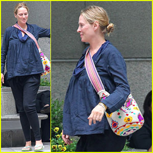 Uma Thurman: Big Apple Baby Bump!