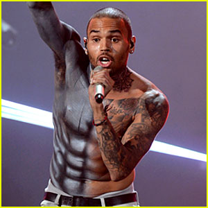 Chris Brown: Shirtless for BET Awards Performance!