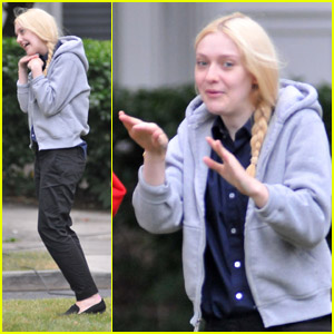 Dakota Fanning: 'Very Good' Visit from Clark Gregg!