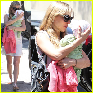 Elsa Pataky: Lunch with India!