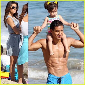 Eva Longoria: Malibu Beach with Shirtless Mario Lopez!