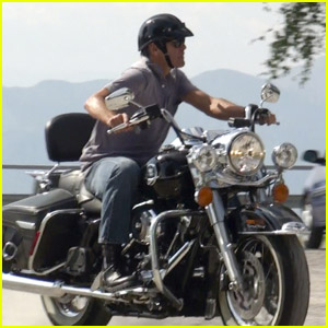 George Clooney: Motorcycle Man in Switzerland!