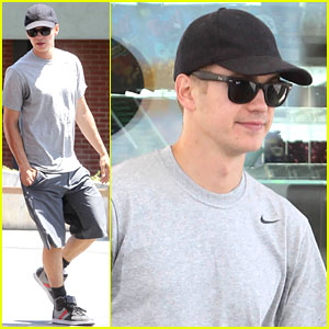 Hayden Christensen: Gas Station Stud!