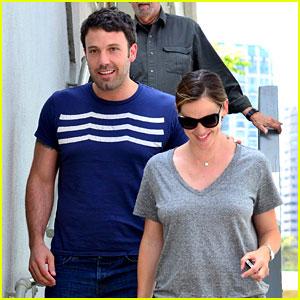 Jennifer Garner & Ben Affleck: Santa Monica Smiles!