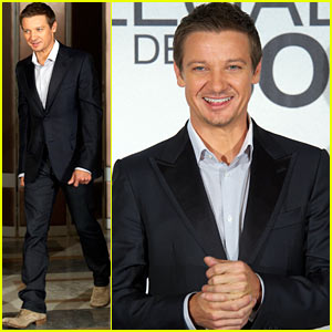 Jeremy Renner: 'Bourne Legacy' Madrid Photo Call!