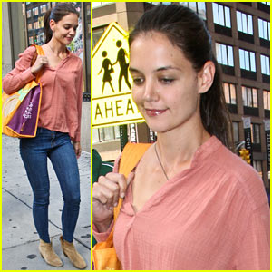 Katie Holmes: Early Morning Market Visit