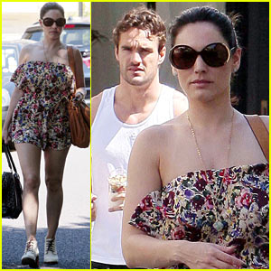 Kelly Brook & Thom Evans: London Breakfast Bunch!