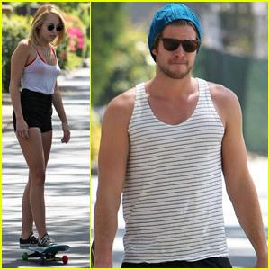 Miley Cyrus Goes Blonde!
