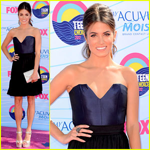 Nikki Reed - Teen Choice Awards 2012 Red Carpet