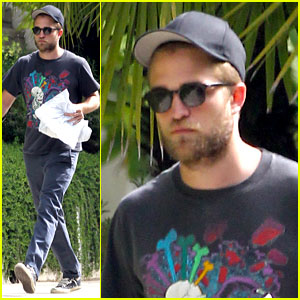 Robert Pattinson Talks Wigging Out for 'Breaking Dawn'