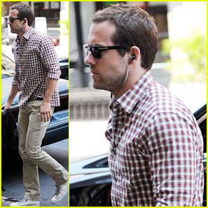 Ryan Reynolds: Son of God on 'Family Guy'!