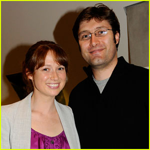 The Office's Ellie Kemper: Married to Michael Koman!