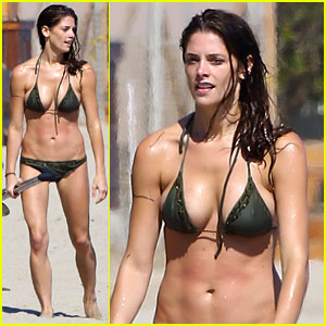 Ashley Greene: Bikini Babe in Malibu!