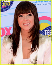 Carly Rae Jepsen: 'Call Me Maybe' Has Longest 2012 Number 1 Run!