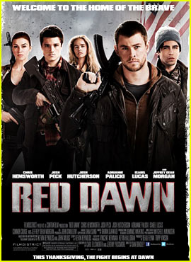 TODAY I WATCHED (TV-series, Movies, Cinema Playlists) 2013 - Page 40 Chris-hemsworth-red-dawn-poster-trailer