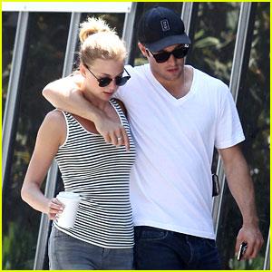 Emily VanCamp & Josh Bowman: Beachwood Cafe Couple!