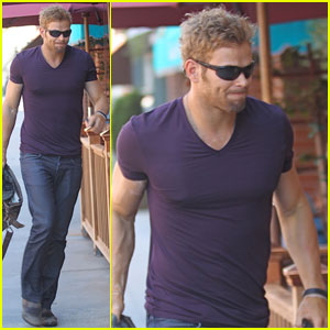 Kellan Lutz: Scuba Diving Lover!