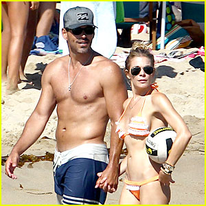 LeAnn Rimes: Bikini Beach Babe with Shirtless Eddie Cibrian!
