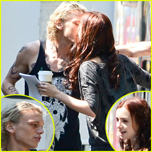 Lily Collins &#038; Jamie Campbell Bower Kiss On 'Mortal Instruments' Set!