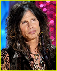 Steven Tyler Causes Fan Frenzy!