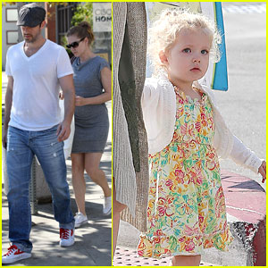 Amy Adams: My Daughter is Very Independent!