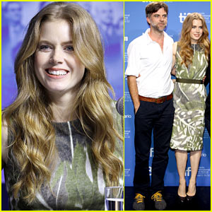 Amy Adams: 'The Master' Photo Call & Press Conference at TIFF!