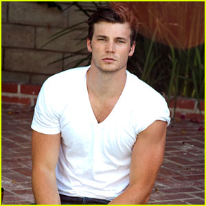 Derek Theler Sexy Photo Shoot - Exclusive Pics!