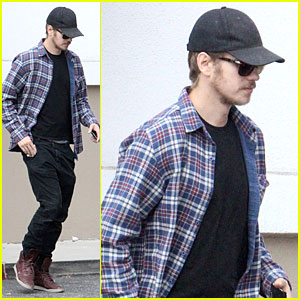 Hayden Christensen: Rachel Bilson's UK Shoe Debut!