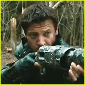 Jeremy Renner: 'Hansel & Gretel: Witch Hunters' Trailer - Watch Now!