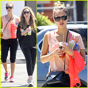 Jessica Alba: Labor Day Weekend Fun!