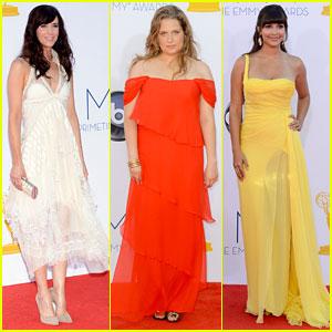 Kristen Wiig & Merritt Wever - Emmys 2012 Red Carpet