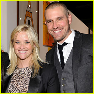 Reese Witherspoon Welcomes Son Tennessee James Toth!