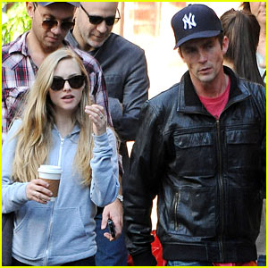 Amanda Seyfried & Desmond Harrington: Big Apple Coffee Break!