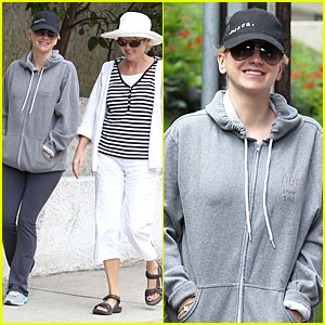 Anna Faris: Hollywood Stroll with Mother Karen!