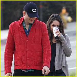 Ashton Kutcher & Mila Kunis: Monday Morning Dog Walk!