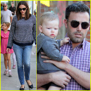 Jennifer Garner & Ben Affleck: Family Dinner with the Kids!