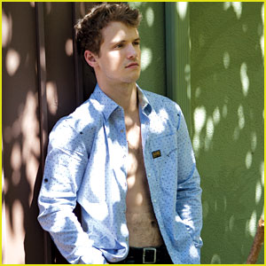 Freddie Stroma: 'Da Man' Magazine Photo Feature!