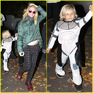 Gwen Stefani: Trick-or-Treating with Zuma!