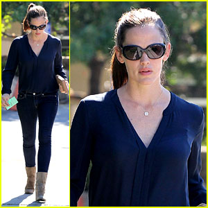 Jennifer Garner: Lunch Meeting in Brentwood!