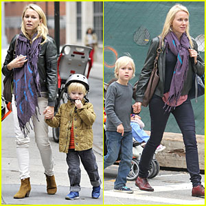 Naomi Watts: I Didn't Know What to Say to Maria Belon!