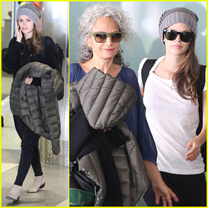 Rachel Bilson: LAX Mom Pick Up!