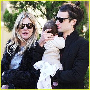 Sienna Miller & Tom Sturridge: Saturday Stroll with Marlowe!