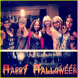 Vanessa Hudgens: Halloween Horror Nights with Ashley Tisdale!