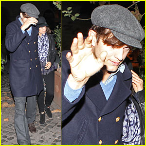 Ashton Kutcher: What You Need for Black Friday, a Laugh!