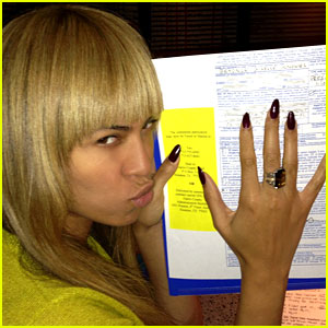Beyonce Votes & Writes Letter to Obama on Election Day